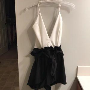Fashion Nova Babe Bye Romper-size  US medium